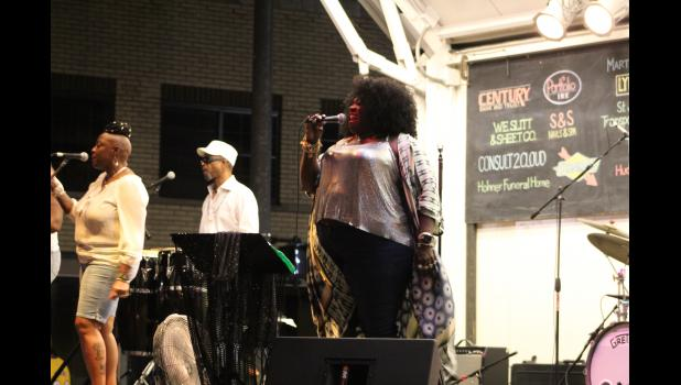 COMMERCIAL-NEWS | ROBERT TOMLINSON - Detroit-based blues singer Thornetta Davis performs during the 27th HarmonyFest music festival in Three Rivers Sunday night.